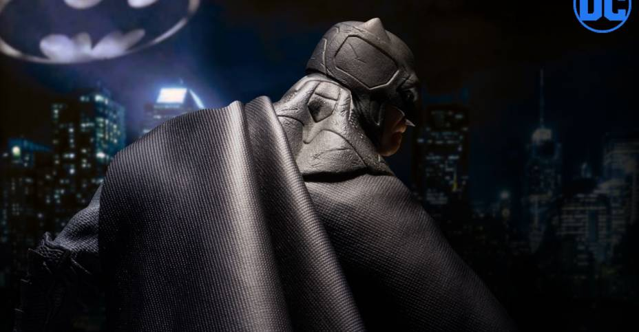 Mezco Supreme Knight Batman 001
