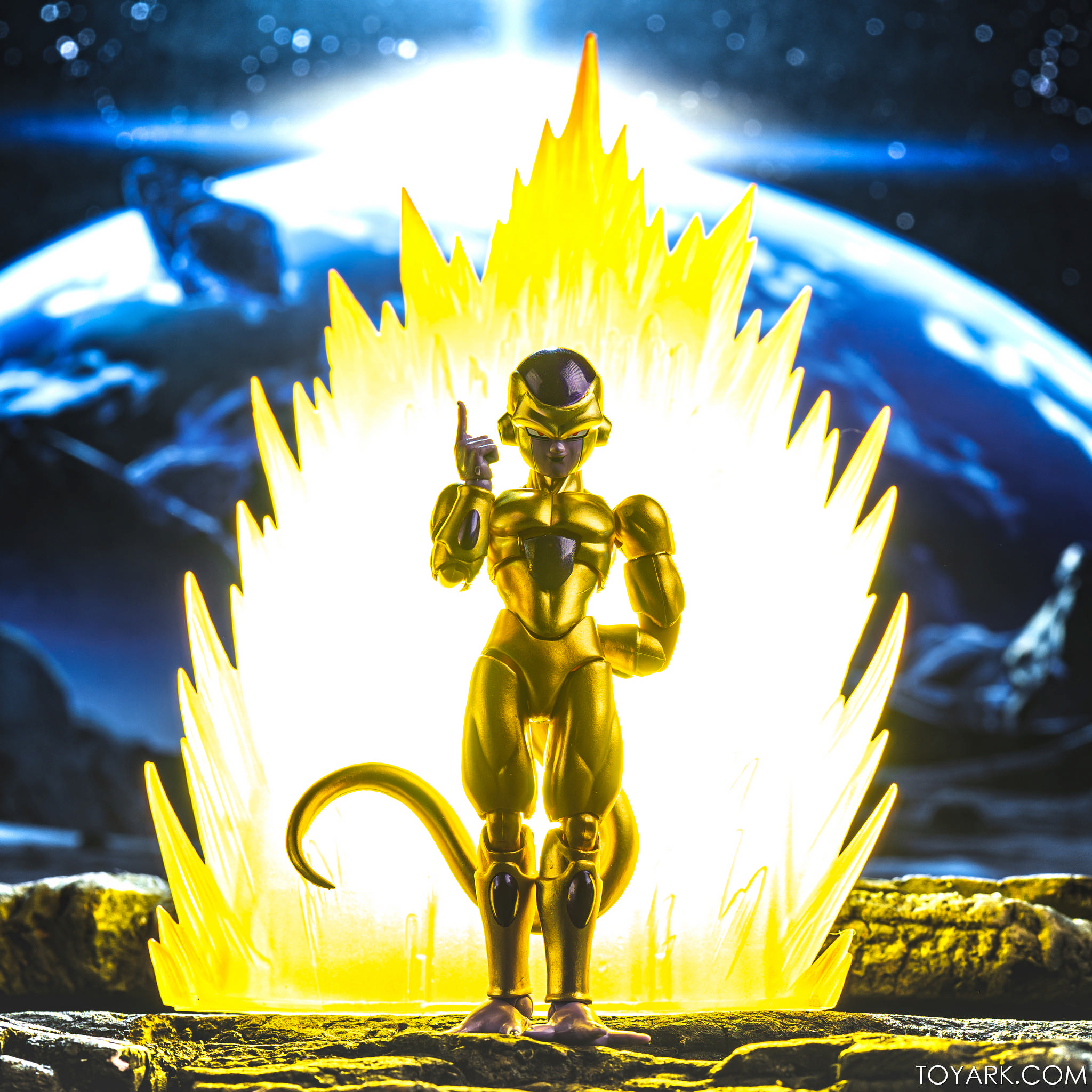 SHF SDCC Golden Frieza 32