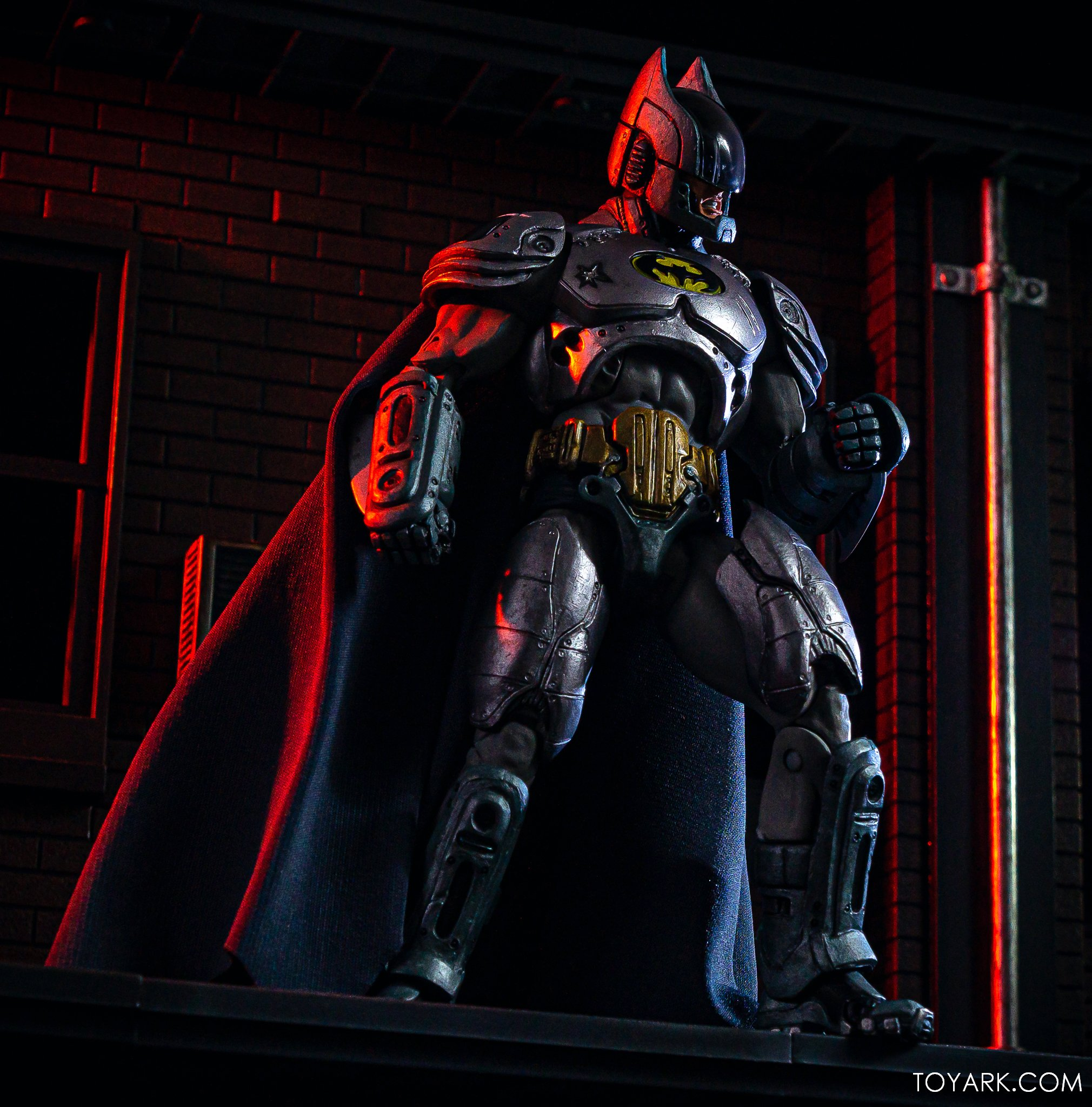 https://news.toyark.com/wp-content/uploads/sites/4/2019/09/Batman-vs-Predator-Set-014.jpg