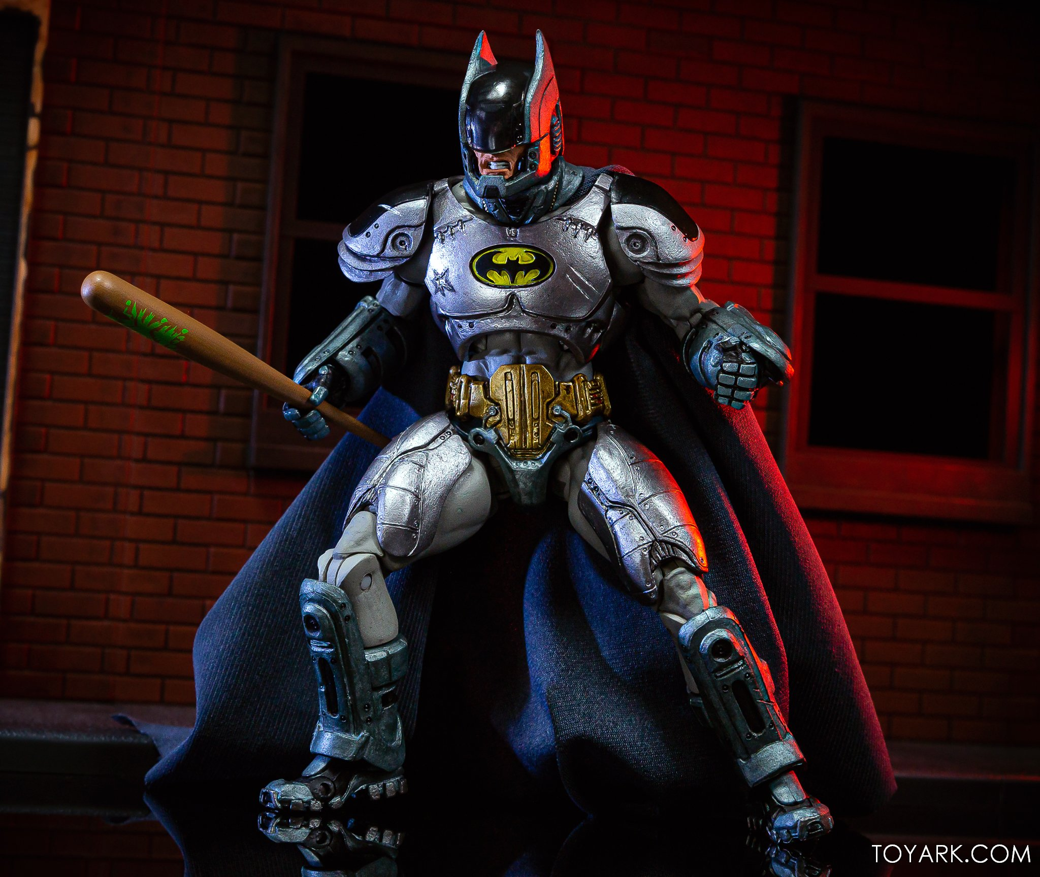 https://news.toyark.com/wp-content/uploads/sites/4/2019/09/Batman-vs-Predator-Set-020.jpg