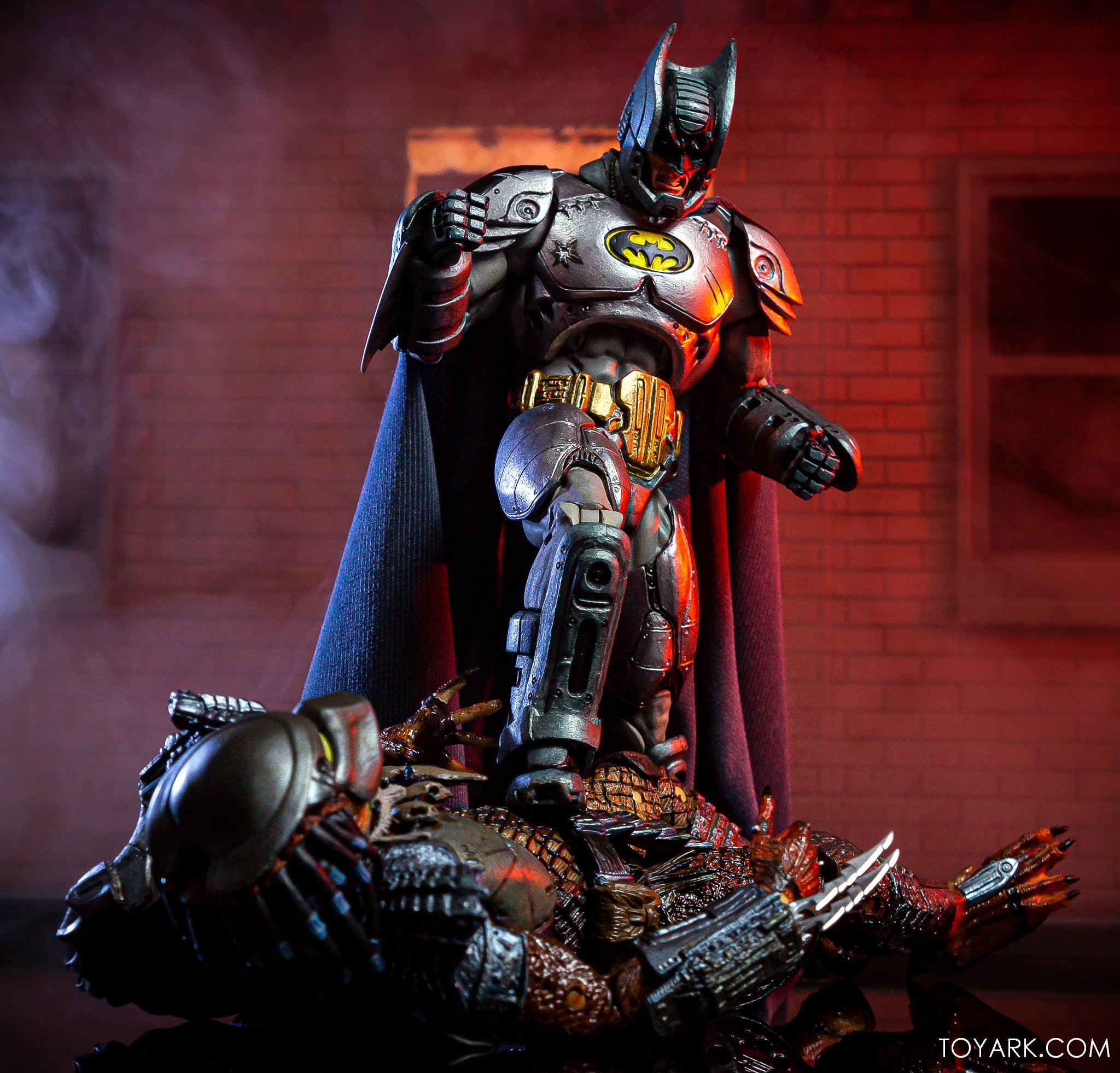 https://news.toyark.com/wp-content/uploads/sites/4/2019/09/Batman-vs-Predator-Set-050.jpg