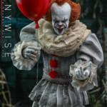 Hot Toys Pennywise 001