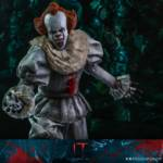 Hot Toys Pennywise 007