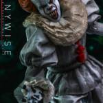 Hot Toys Pennywise 011