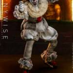 Hot Toys Pennywise 013
