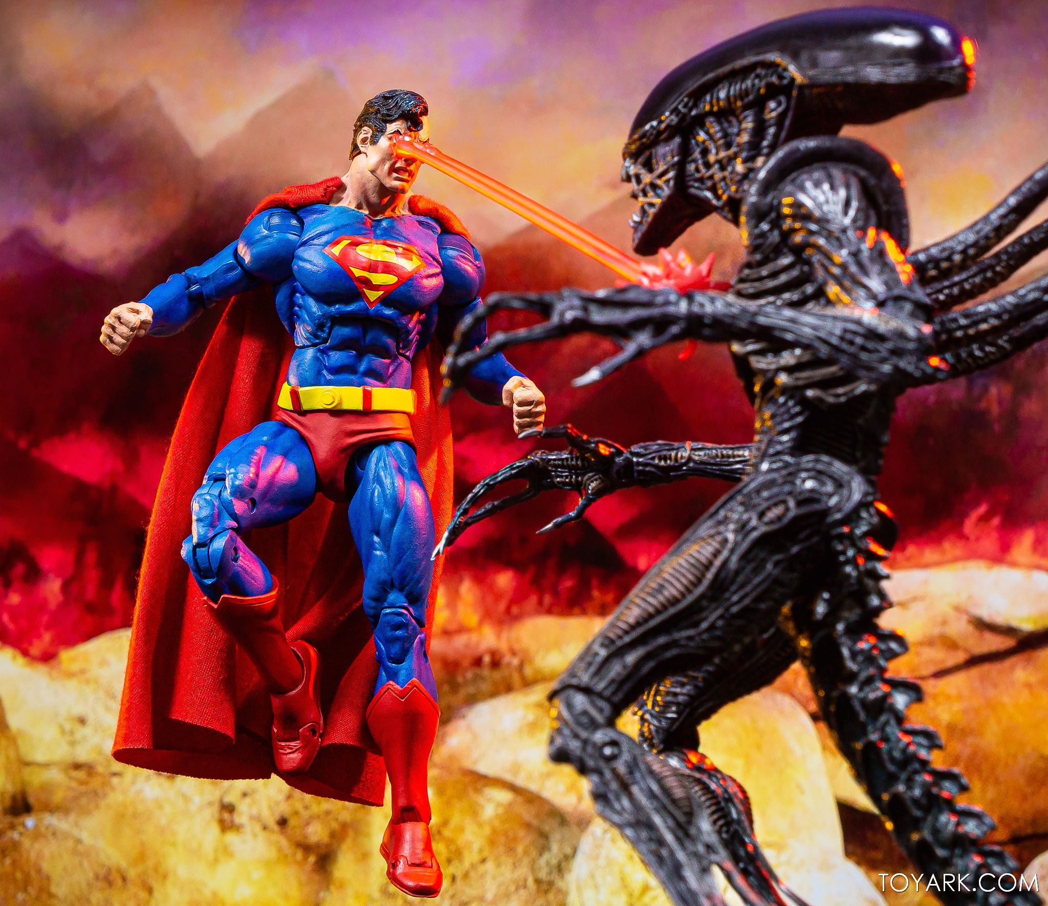 https://news.toyark.com/wp-content/uploads/sites/4/2019/09/Superman-vs-Alien-Set-050.jpg