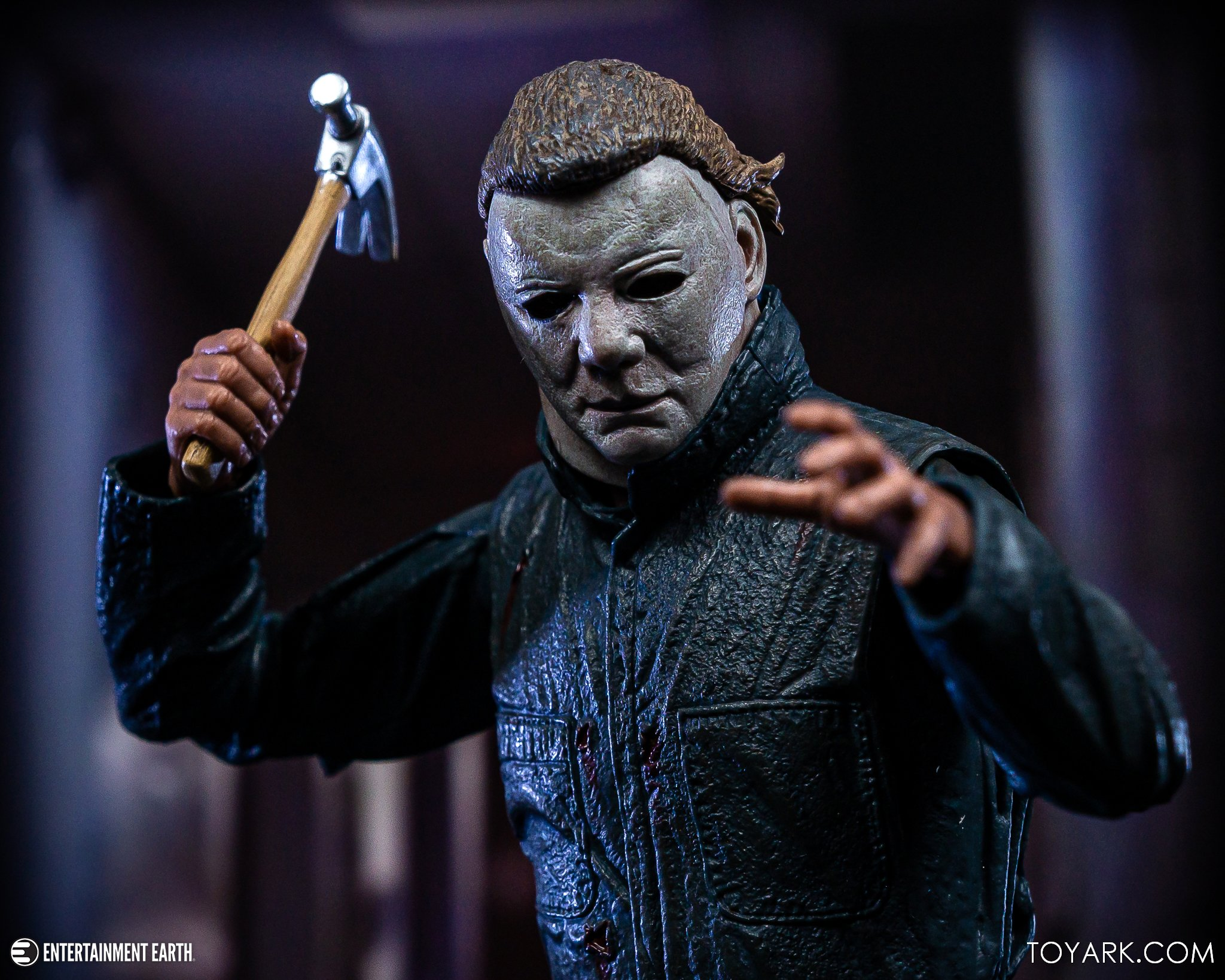 https://news.toyark.com/wp-content/uploads/sites/4/2019/10/NECA-Halloween-II-Michael-Myers-022.jpg