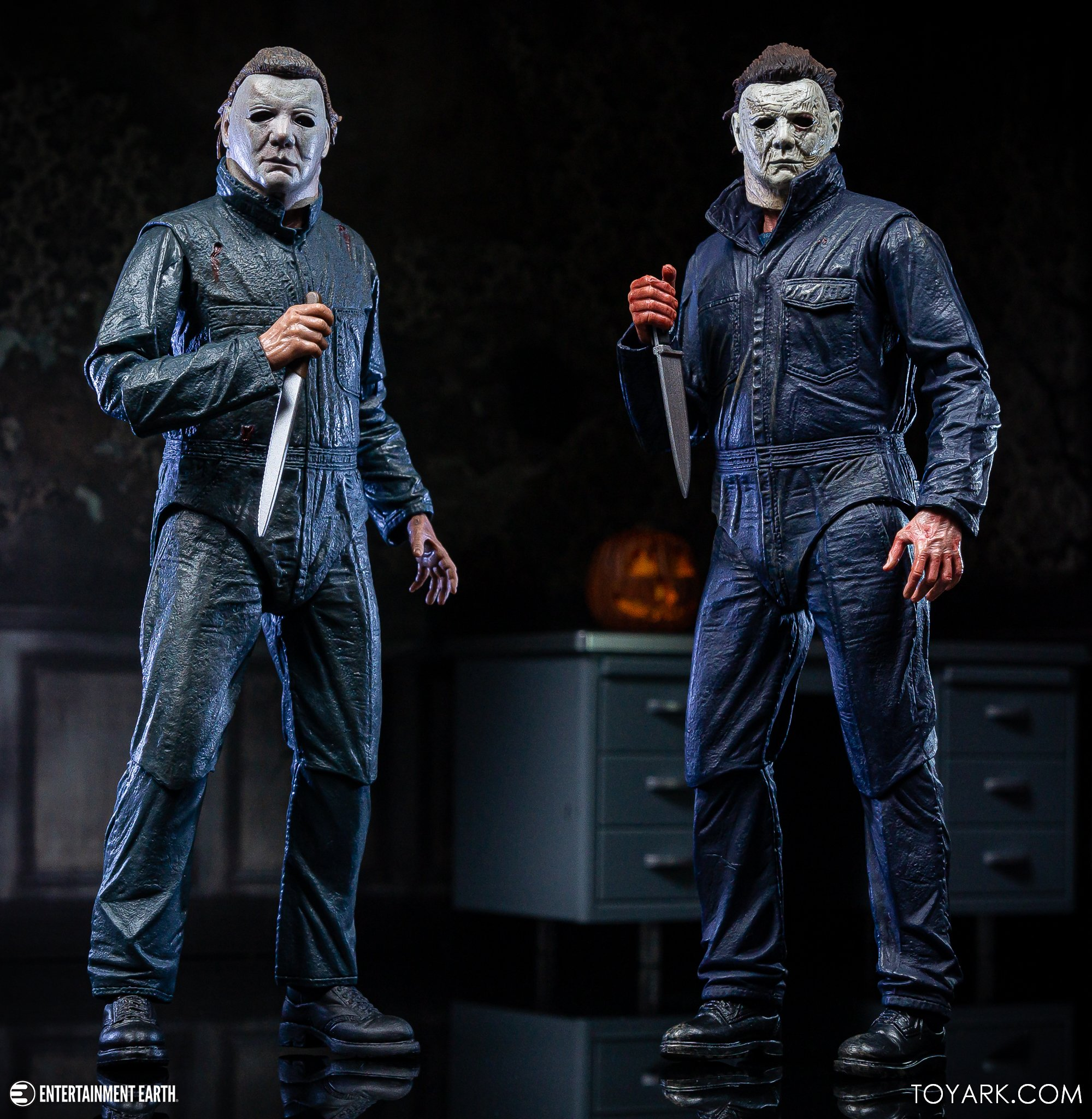 https://news.toyark.com/wp-content/uploads/sites/4/2019/10/NECA-Halloween-II-Michael-Myers-046.jpg