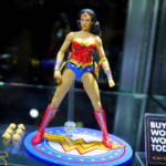 NYCC 2019 Mezco Wonder Woman 017