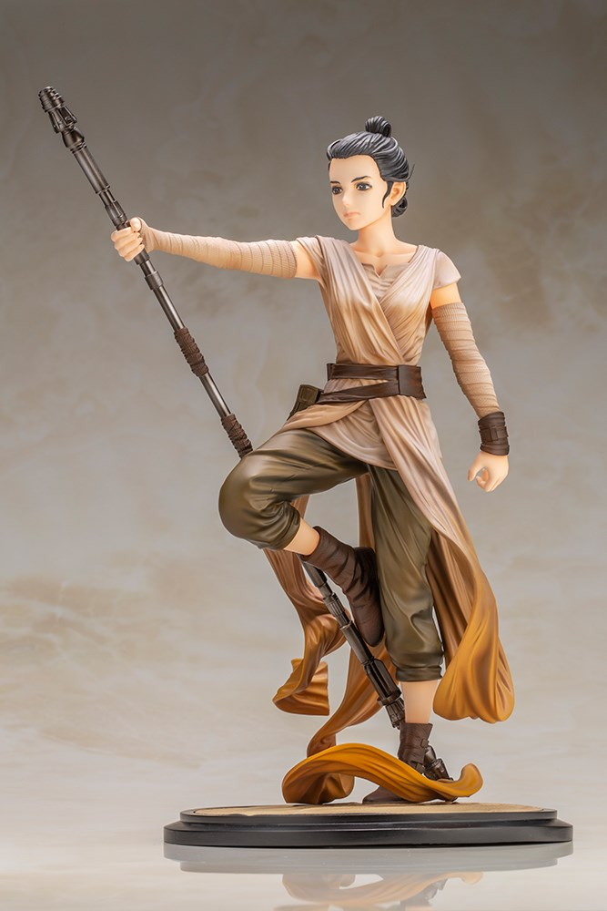 Koto The Force Awakens Rey Statue 002