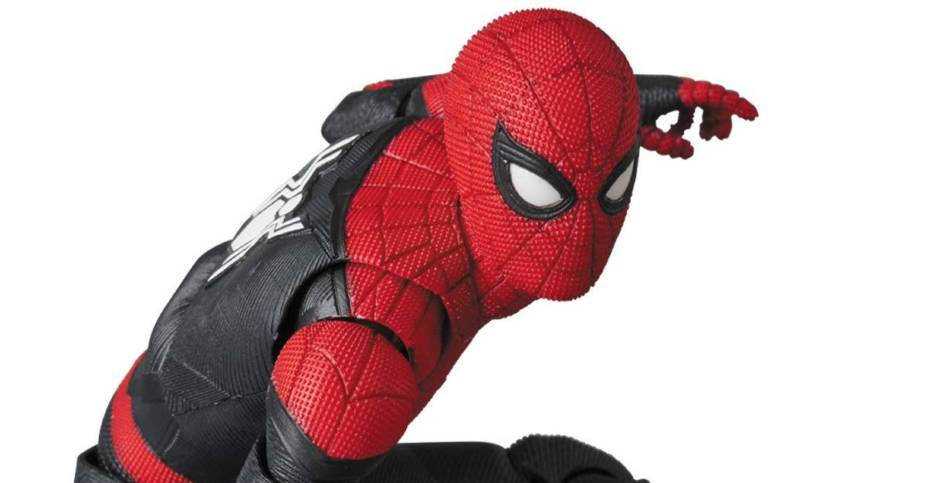 MAFEX Far From Home Spider Man 008