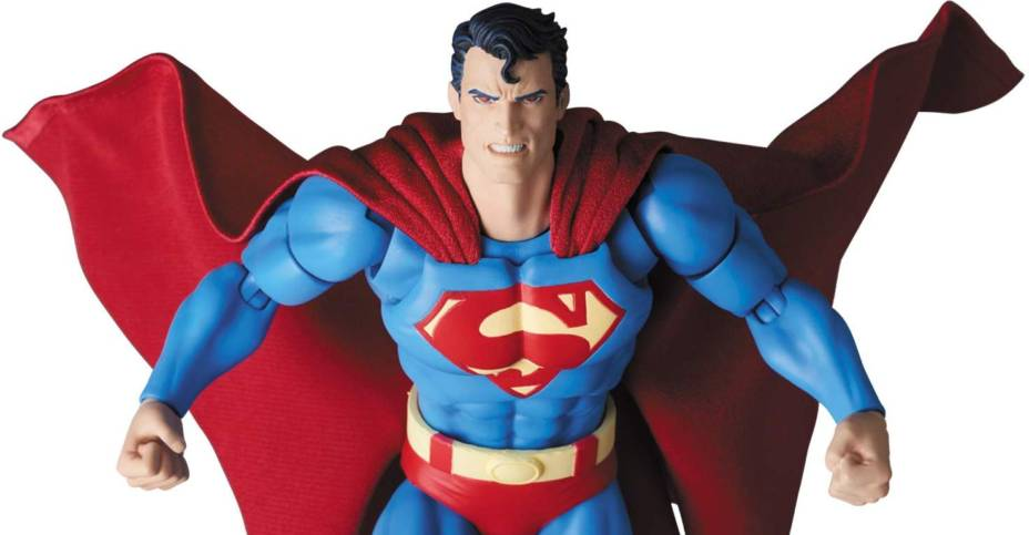 MAFEX Hush Superman Figure 007
