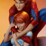 Spider Man and Mary Jane Statue 014