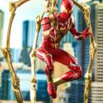 Hot Toys Iron Spider 01