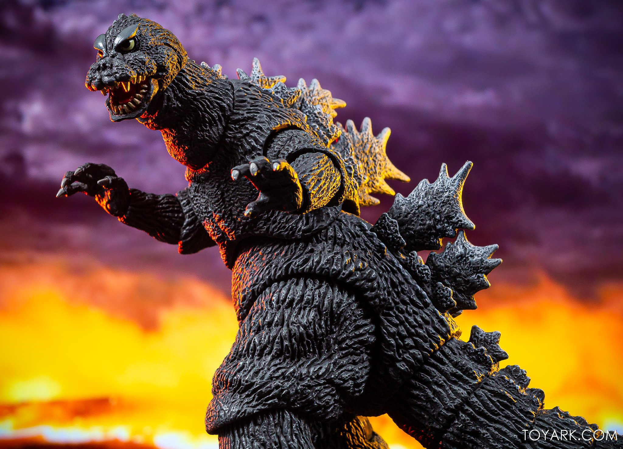 https://news.toyark.com/wp-content/uploads/sites/4/2019/12/NECA-Godzilla-1964-Figure-026.jpg