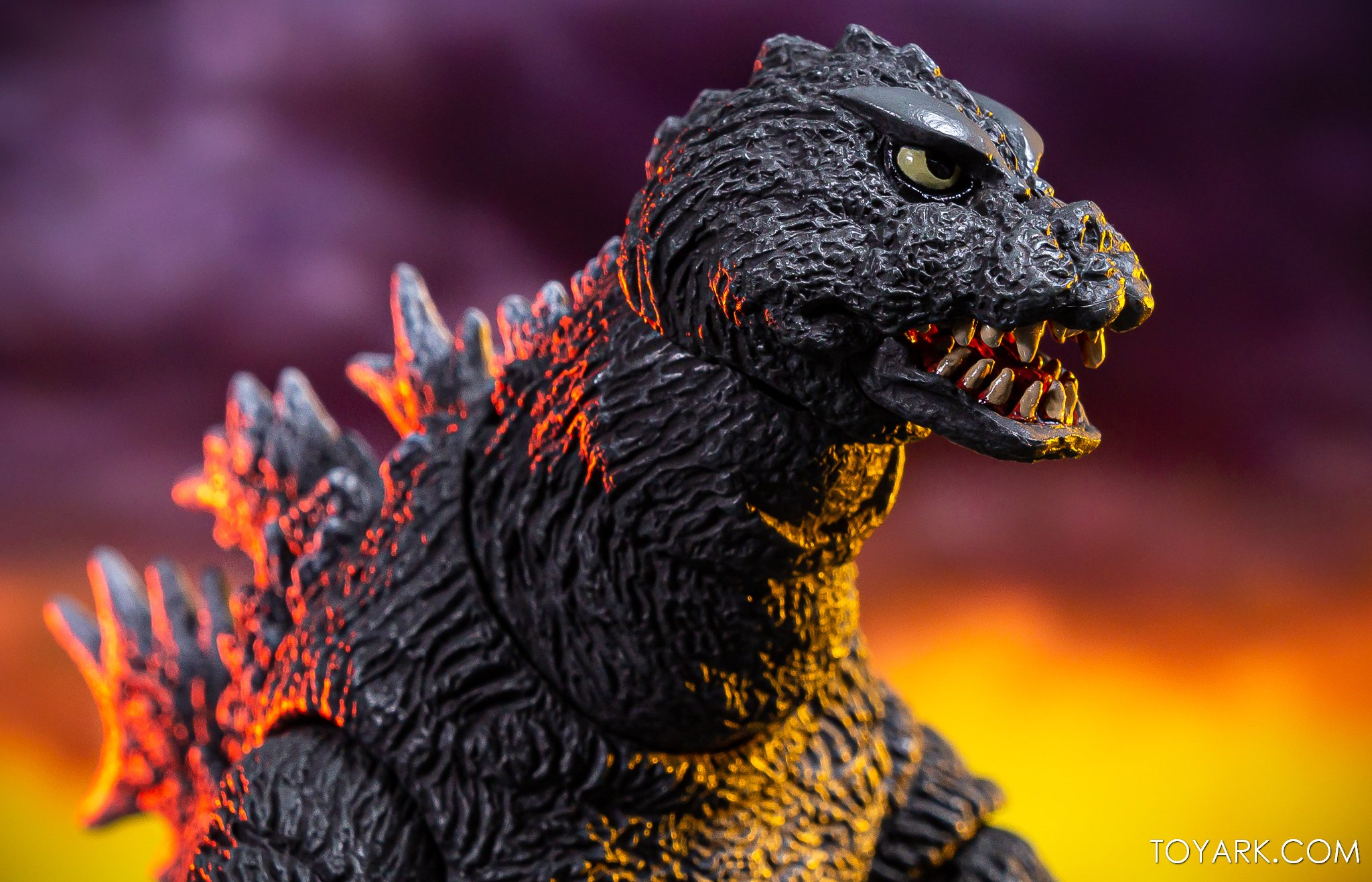 https://news.toyark.com/wp-content/uploads/sites/4/2019/12/NECA-Godzilla-1964-Figure-029.jpg