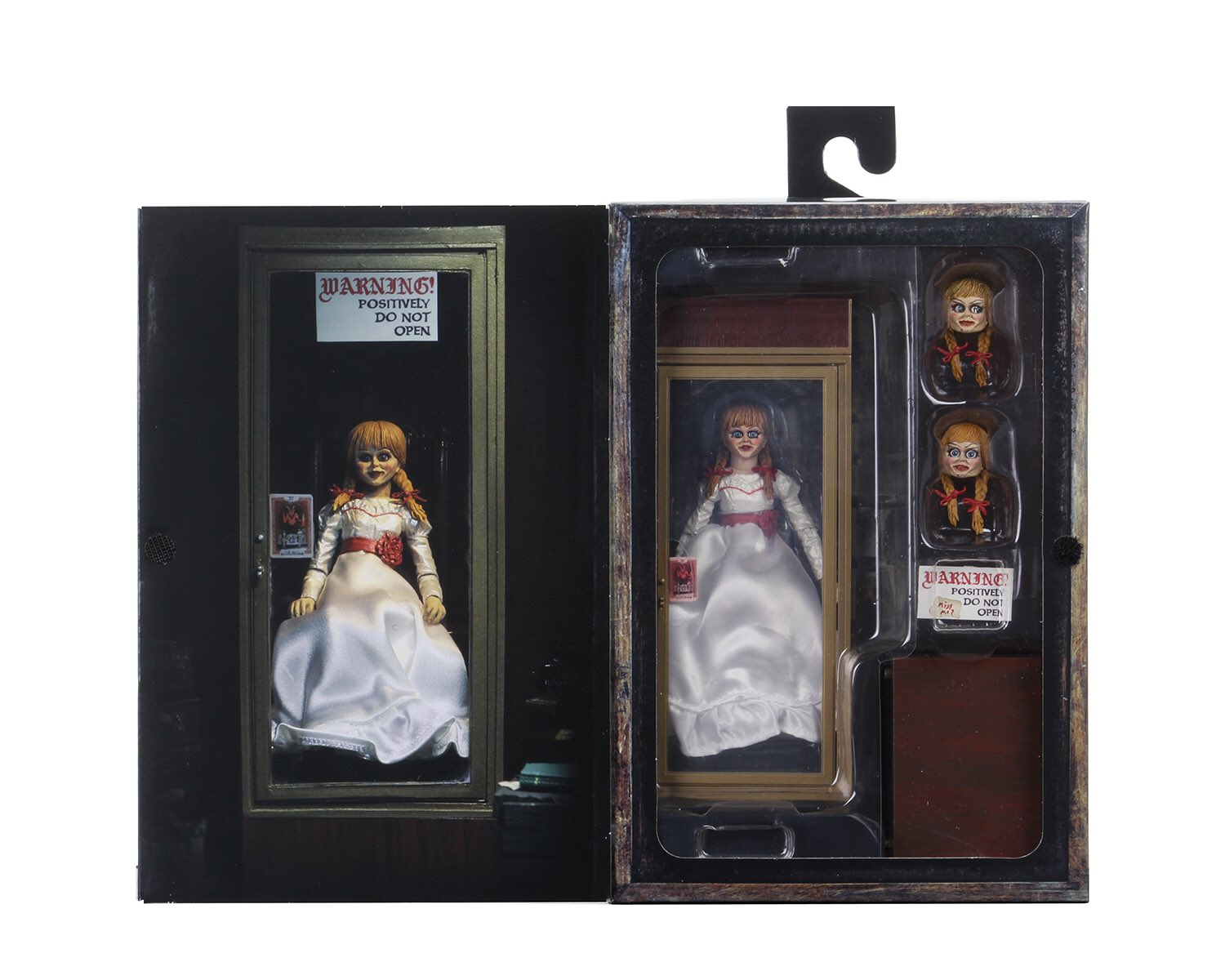 Annabelle Ultimate Figure Packaging 004