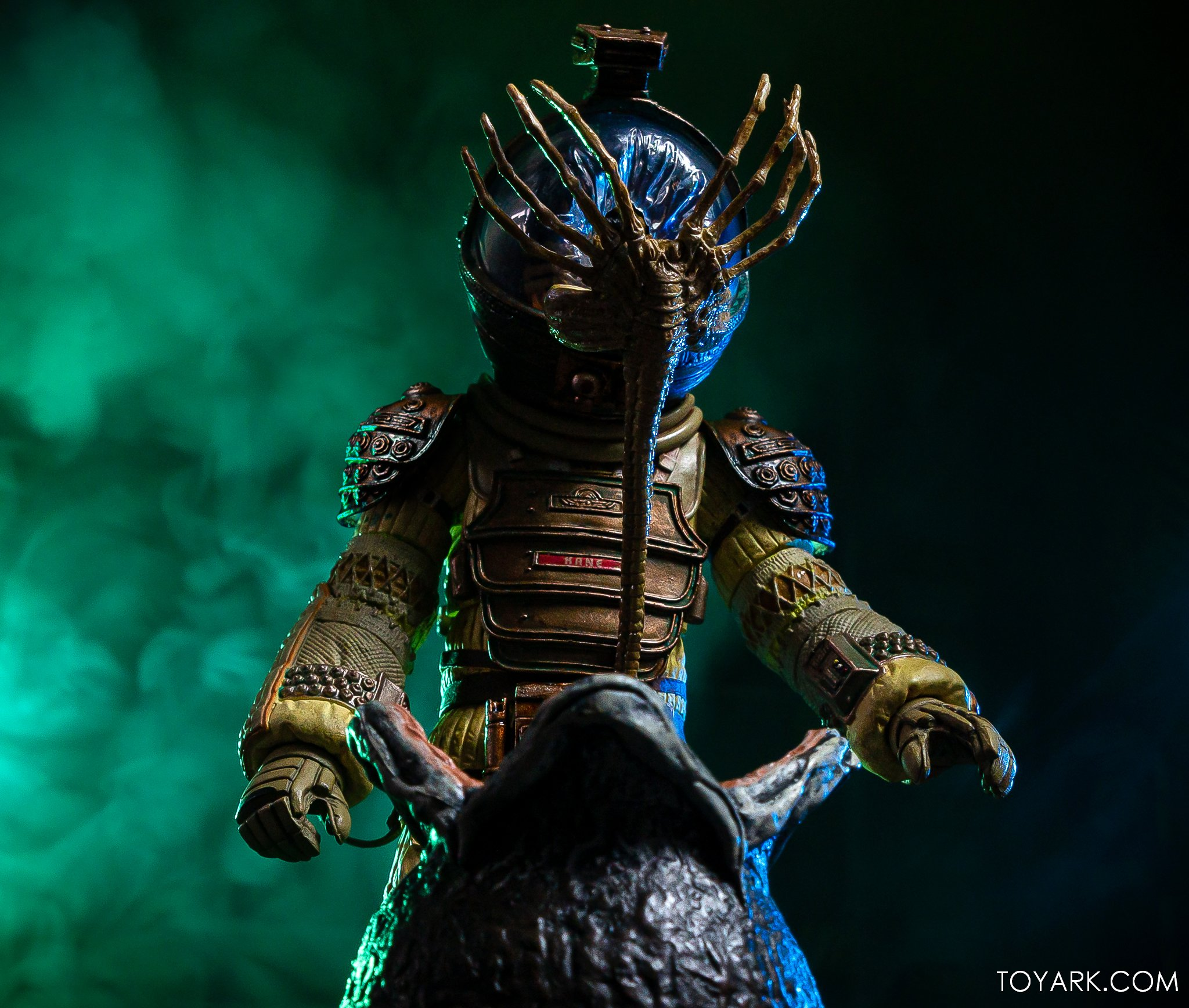 https://news.toyark.com/wp-content/uploads/sites/4/2020/01/NECA-Big-Chap-Alien-Ultimate-040.jpg
