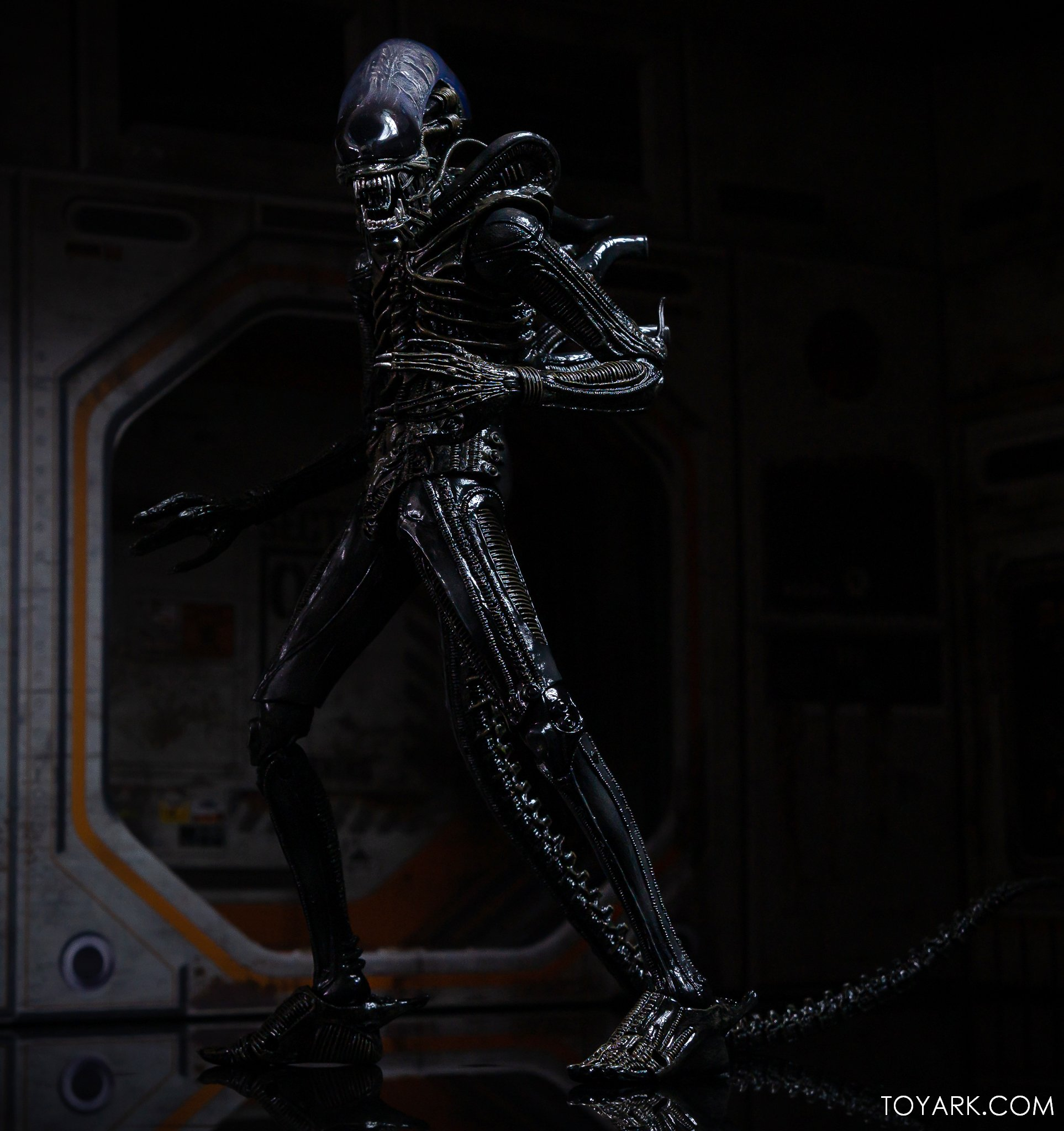 https://news.toyark.com/wp-content/uploads/sites/4/2020/01/NECA-Big-Chap-Alien-Ultimate-041.jpg
