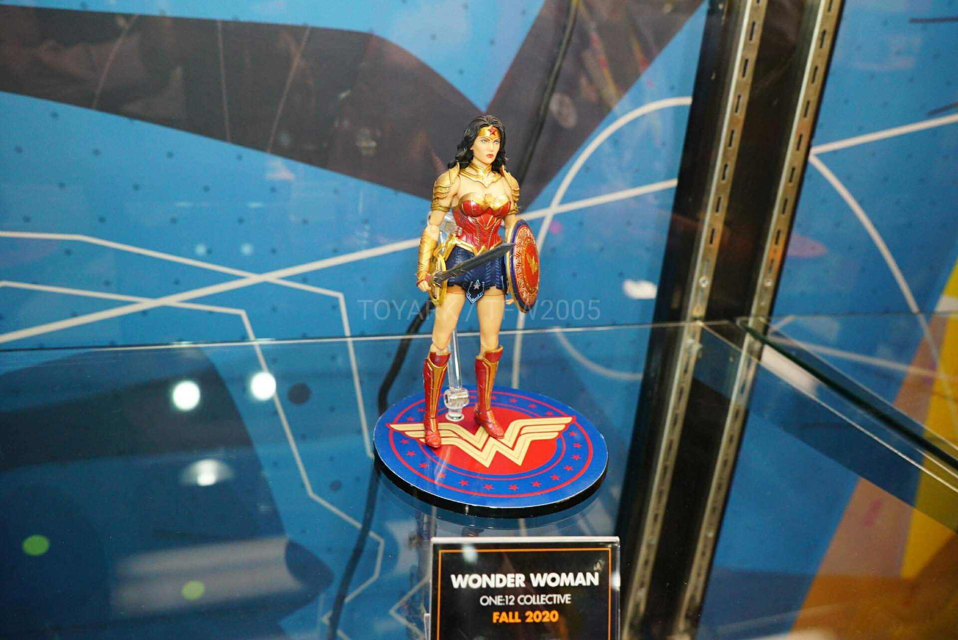 Toy-Fair-2020-Mezco-One12-009.jpg