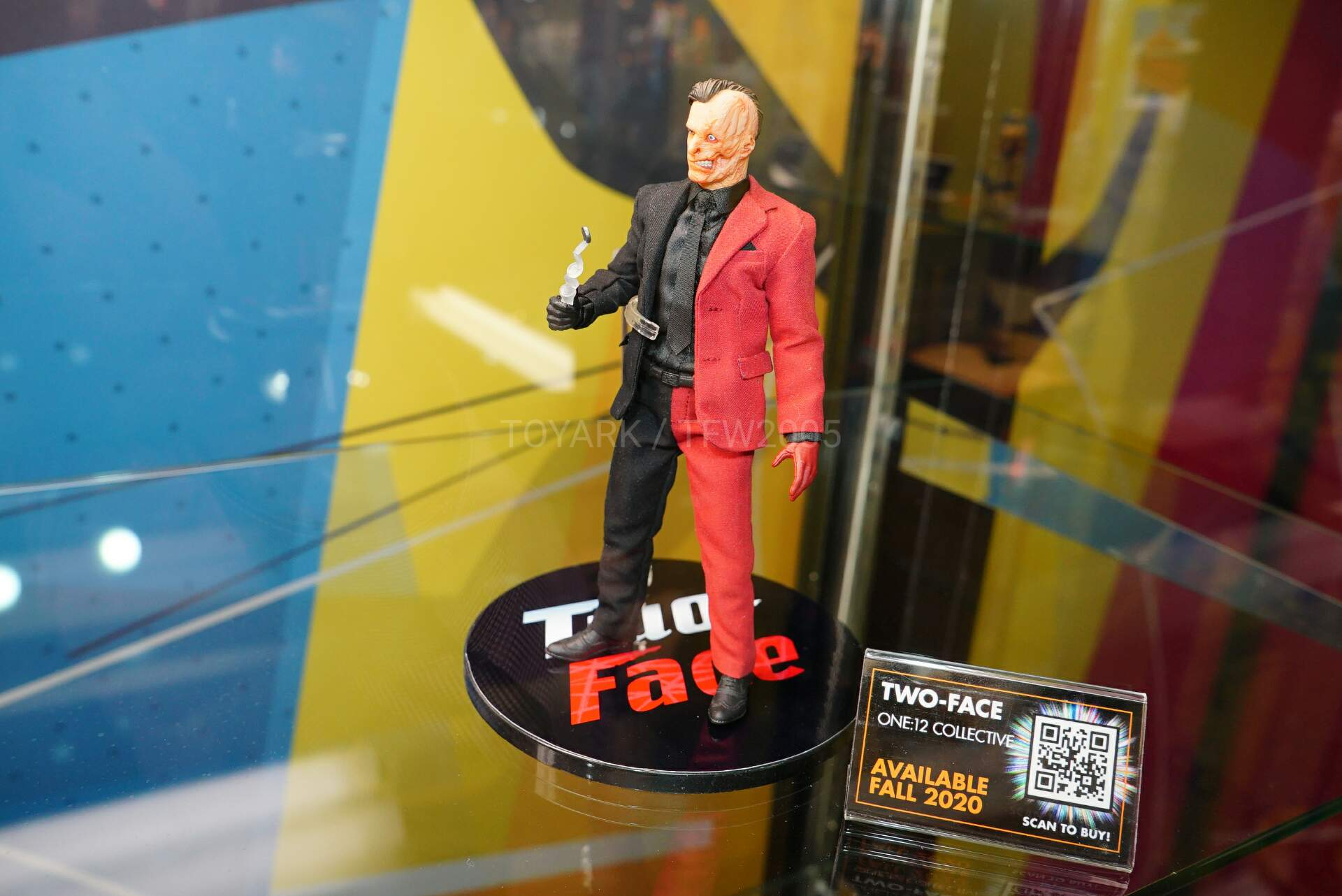 Toy-Fair-2020-Mezco-One12-016.jpg