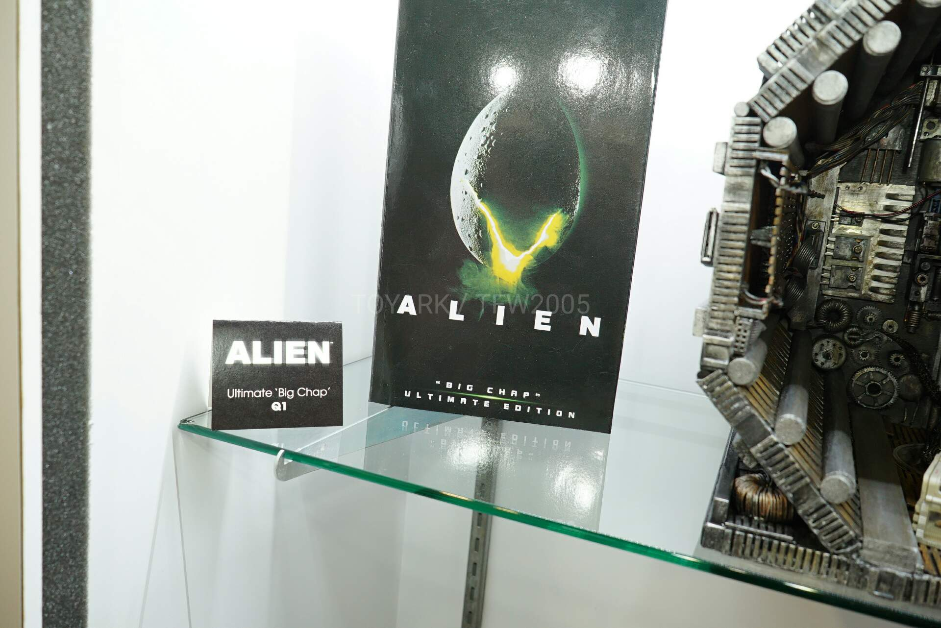 Toy-Fair-2020-NECA-Alien-and-Predator-002.jpg