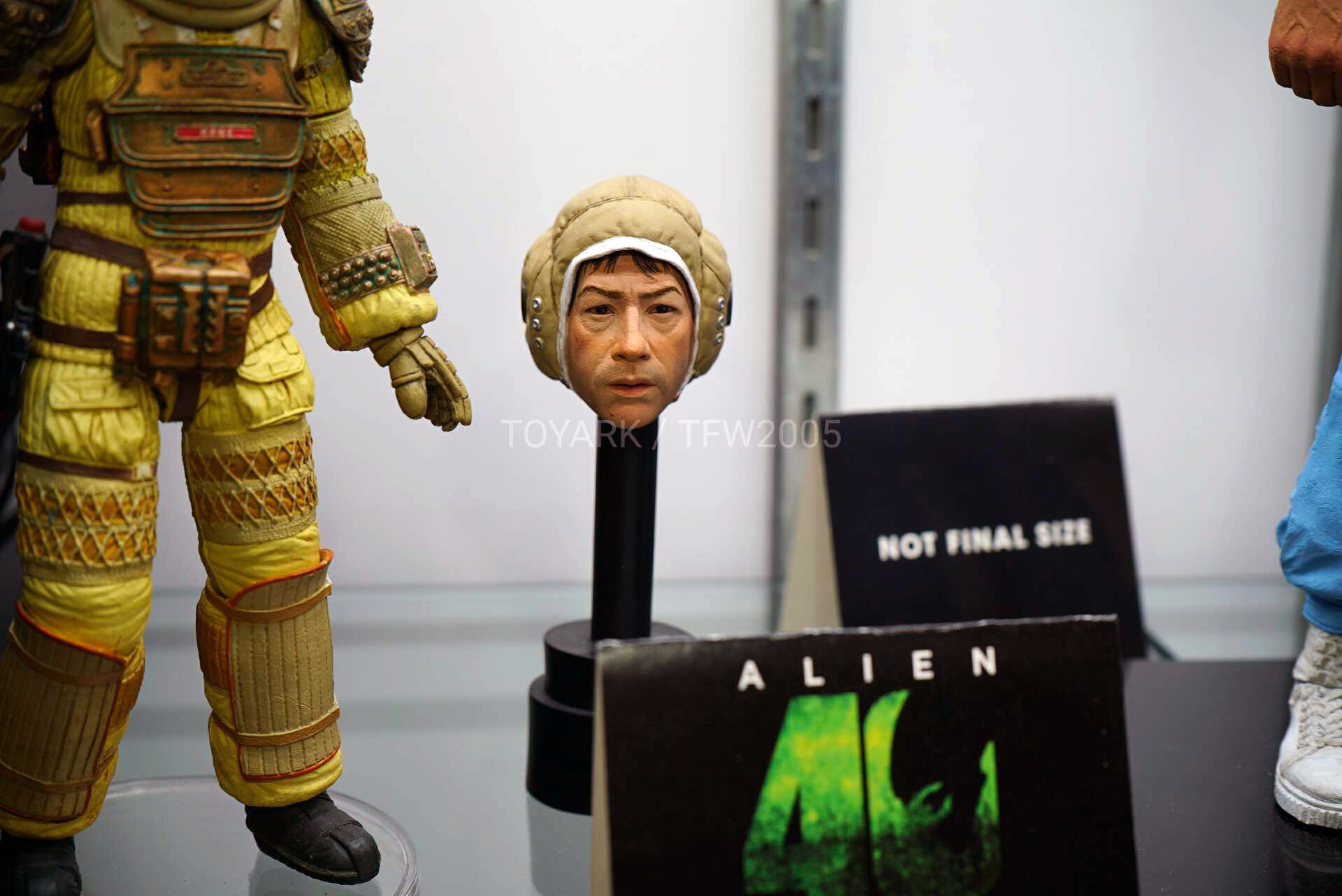 Toy-Fair-2020-NECA-Alien-and-Predator-006.jpg