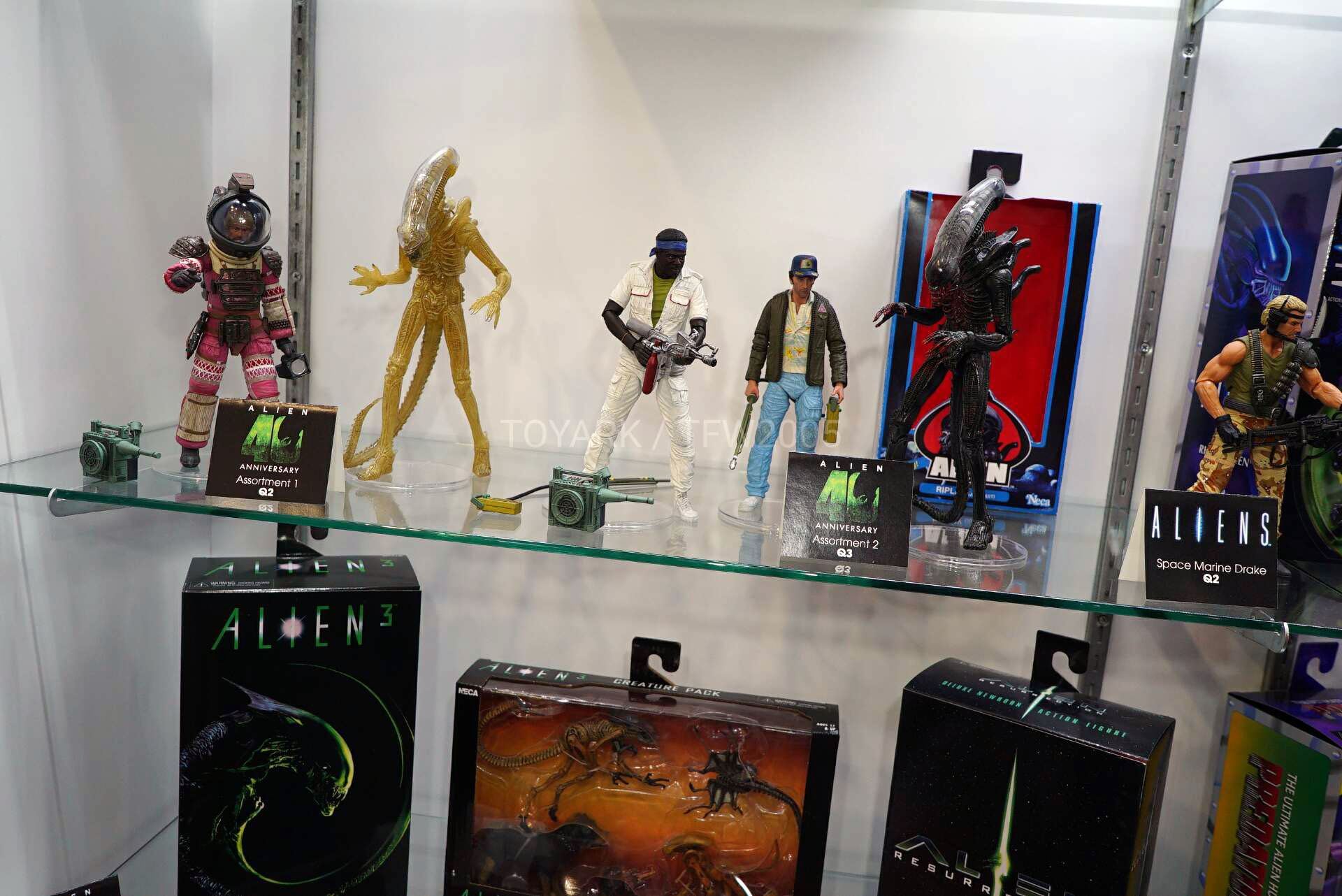 Toy-Fair-2020-NECA-Alien-and-Predator-014.jpg