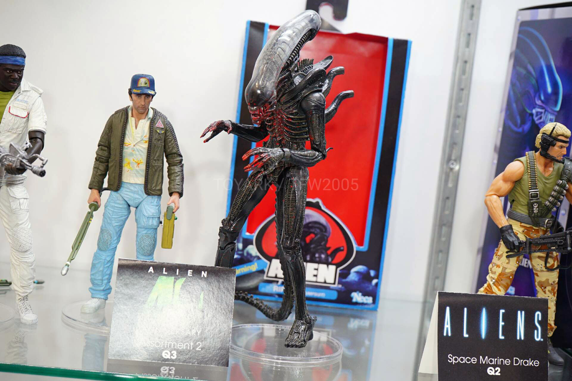 Toy-Fair-2020-NECA-Alien-and-Predator-019.jpg