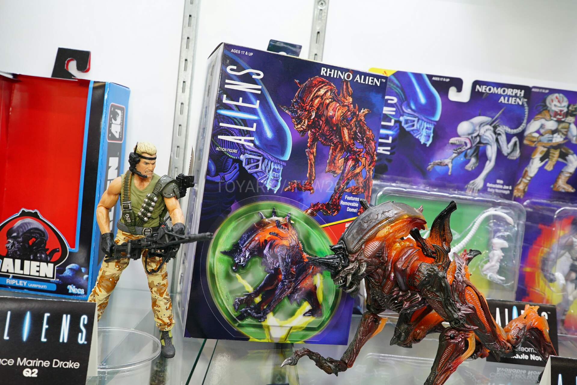 Toy-Fair-2020-NECA-Alien-and-Predator-028.jpg