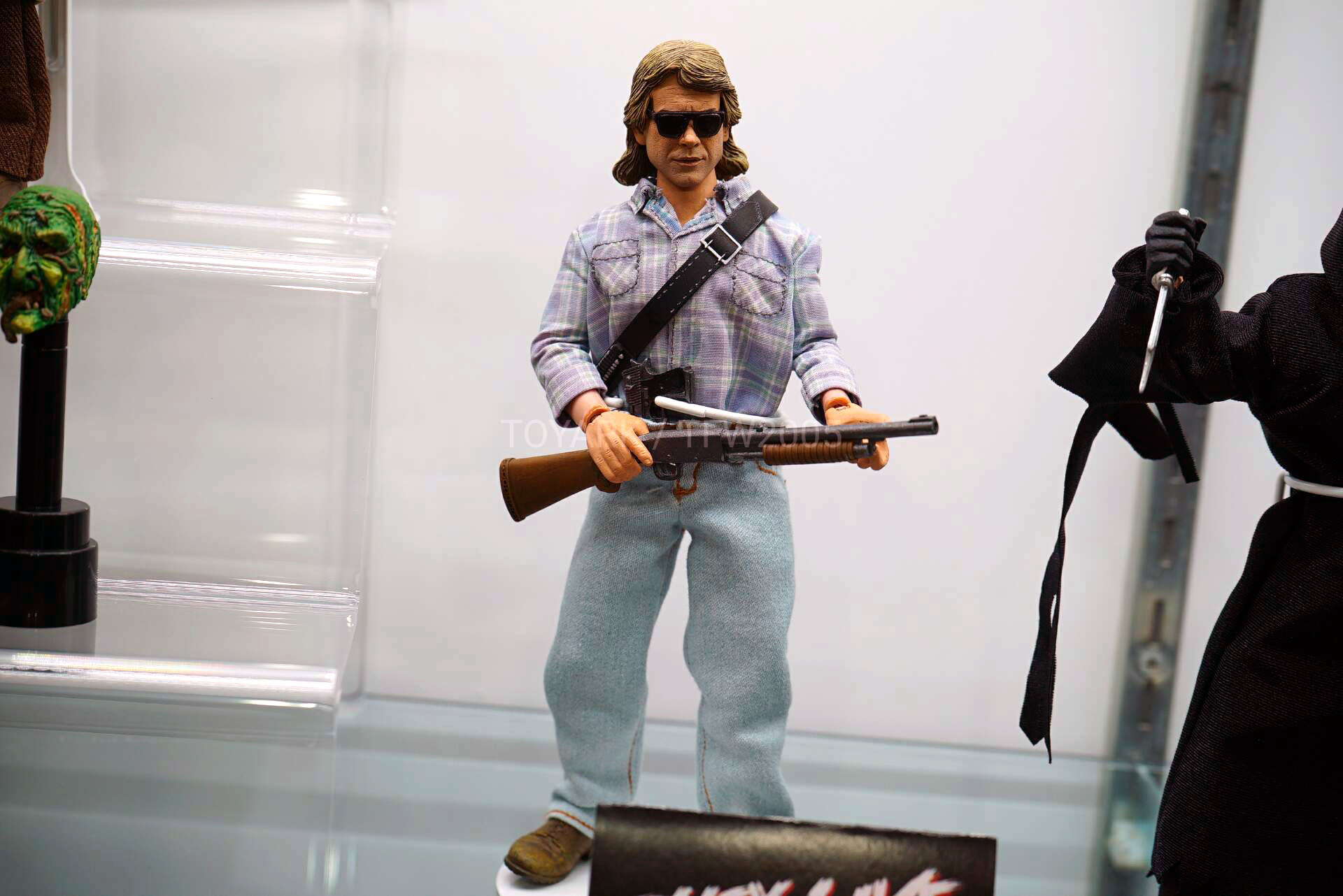Toy-Fair-2020-NECA-Horror-Sci-Fi-008.jpg