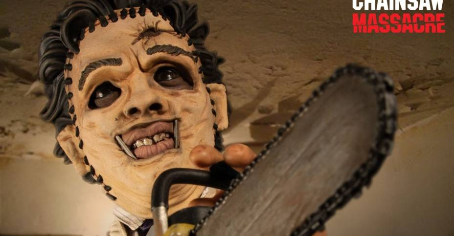Mezco Mega Scale Leatherface 004