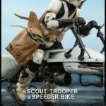 Hot Toys Scout Trooper and Bike 005