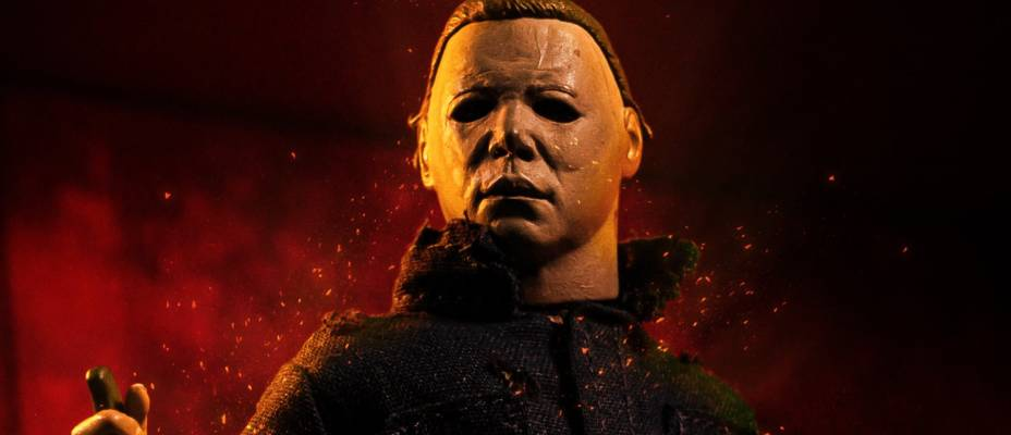 Halloween II - Michael Myers Retro Clothed Figure by NECA - Exclusive Toyark Photo Gallery