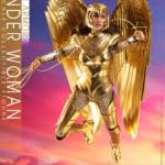 Hot Toys Wonder Woman 84 Golden Armor 009