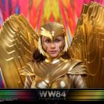Hot Toys Wonder Woman 84 Golden Armor 011
