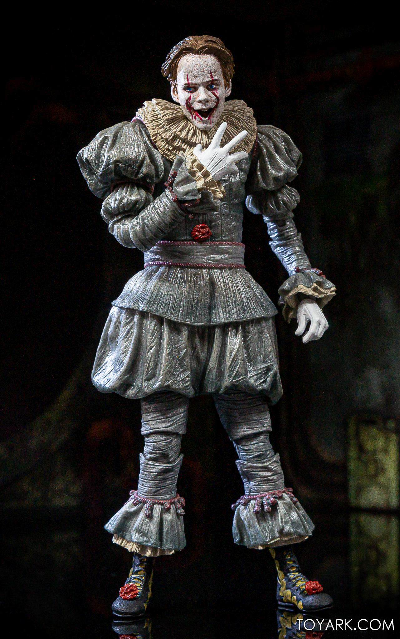 https://news.toyark.com/wp-content/uploads/sites/4/2020/06/NECA-IT-2-Ultimate-Pennywise-029.jpg