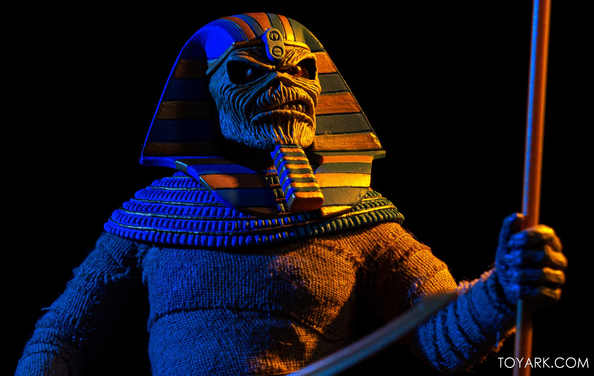 https://news.toyark.com/wp-content/uploads/sites/4/2020/06/NECA-Iron-Maiden-Powerslave-Eddie-013.jpg
