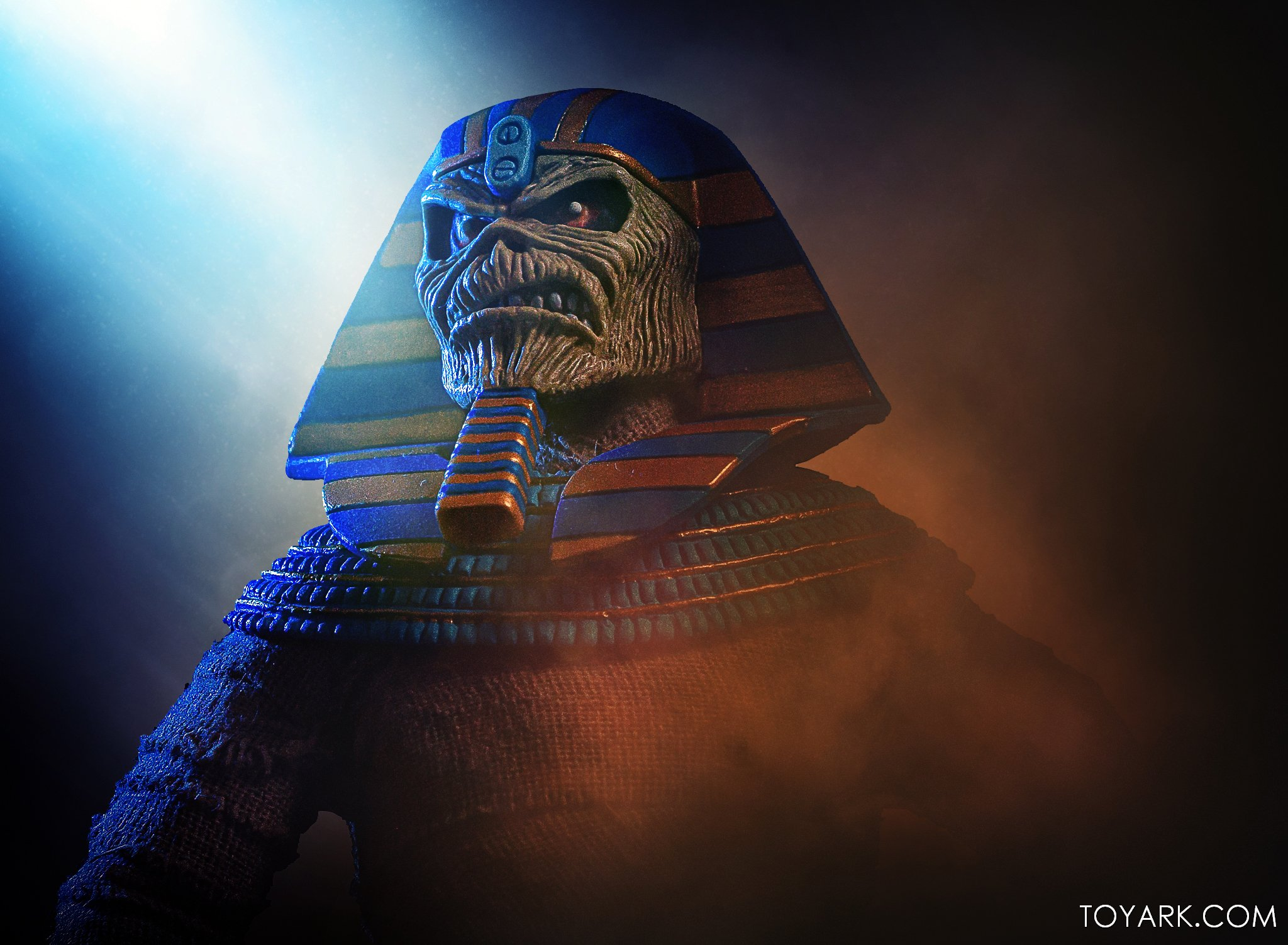 https://news.toyark.com/wp-content/uploads/sites/4/2020/06/NECA-Iron-Maiden-Powerslave-Eddie-019.jpg
