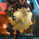 Hot Toys Deadpool 2 Cable 002