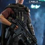 Hot Toys Deadpool 2 Cable 010