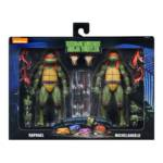 NECA TMNT 1990 Mikey and Raph 001