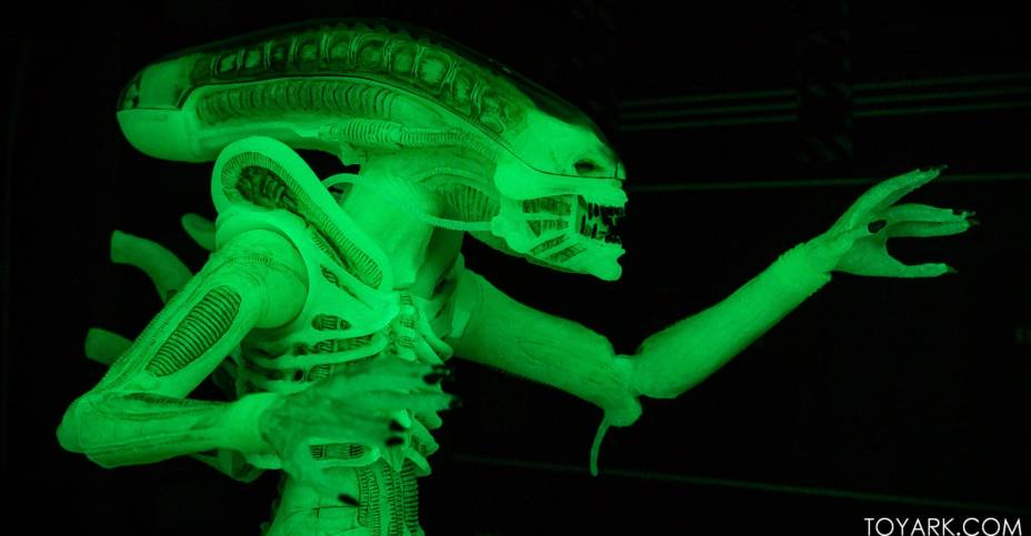 SDCC 2020 Glow In The Dark Alien 031
