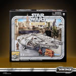 STAR WARS THE VINTAGE COLLECTION GALAXY'S EDGE MILLENNIUM FALCON SMUGGLER'S RUN Vehicle pckging 3