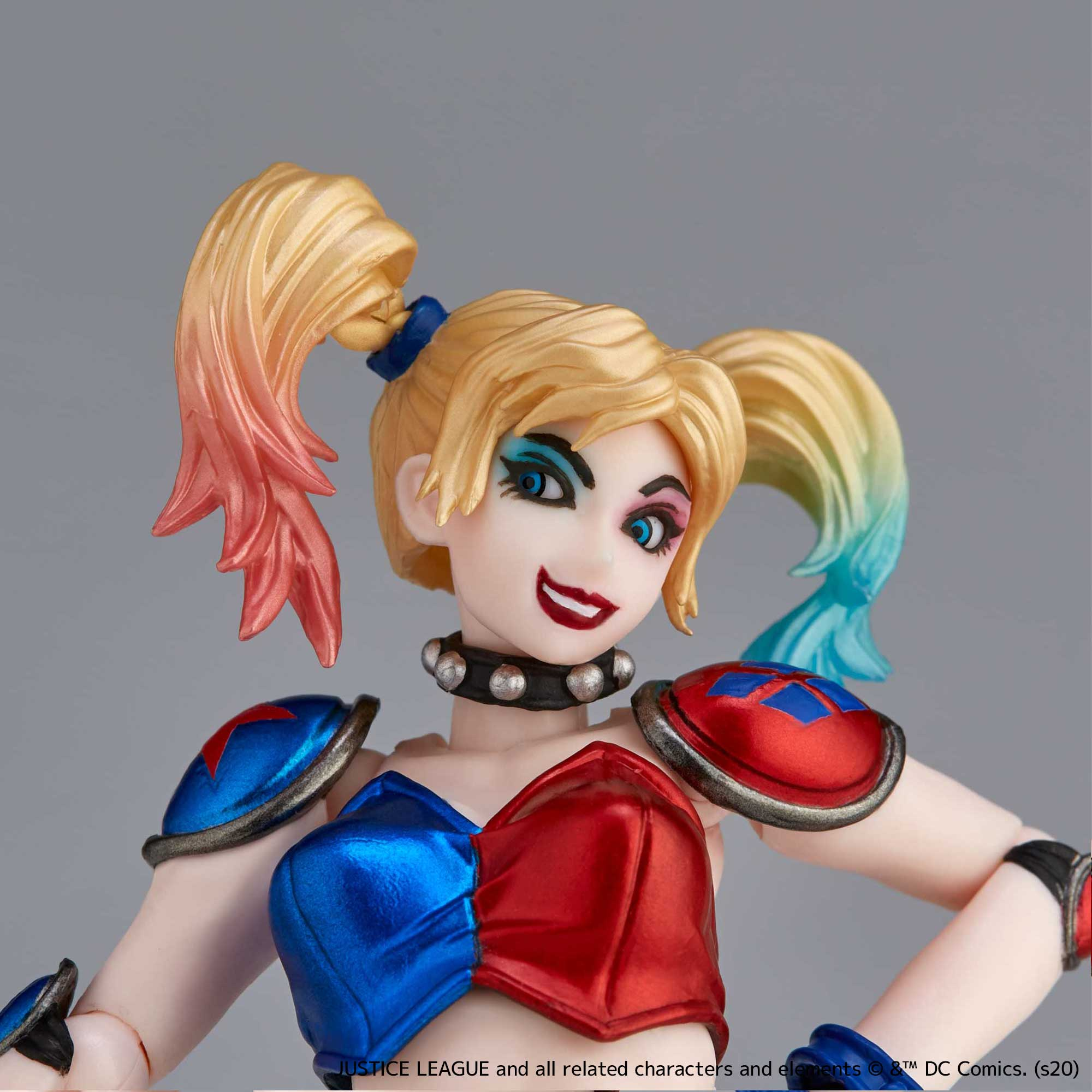 Revoltech New Color Harley Quinn 011