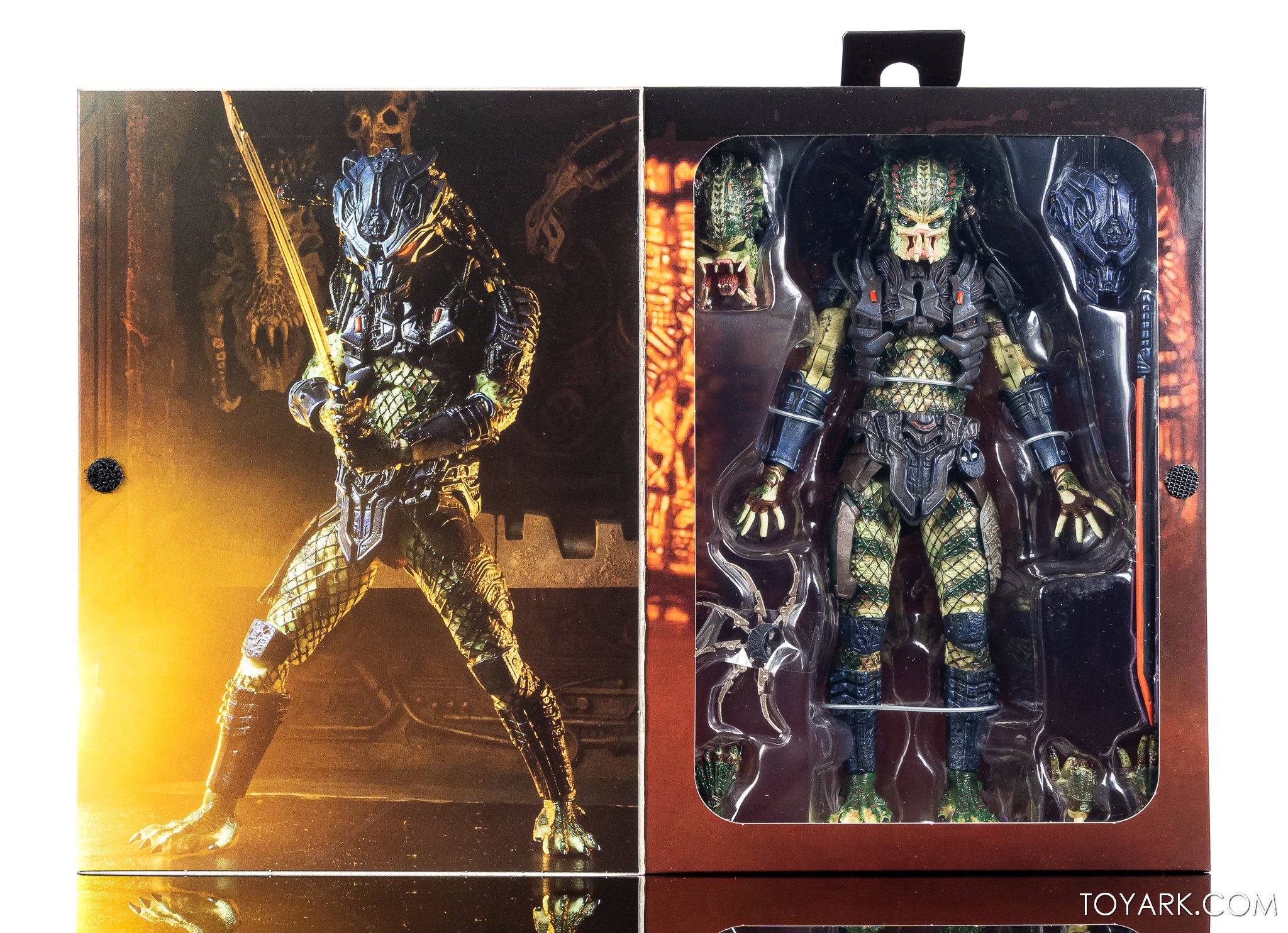 NECA Ultimate Armored Predator Released 003