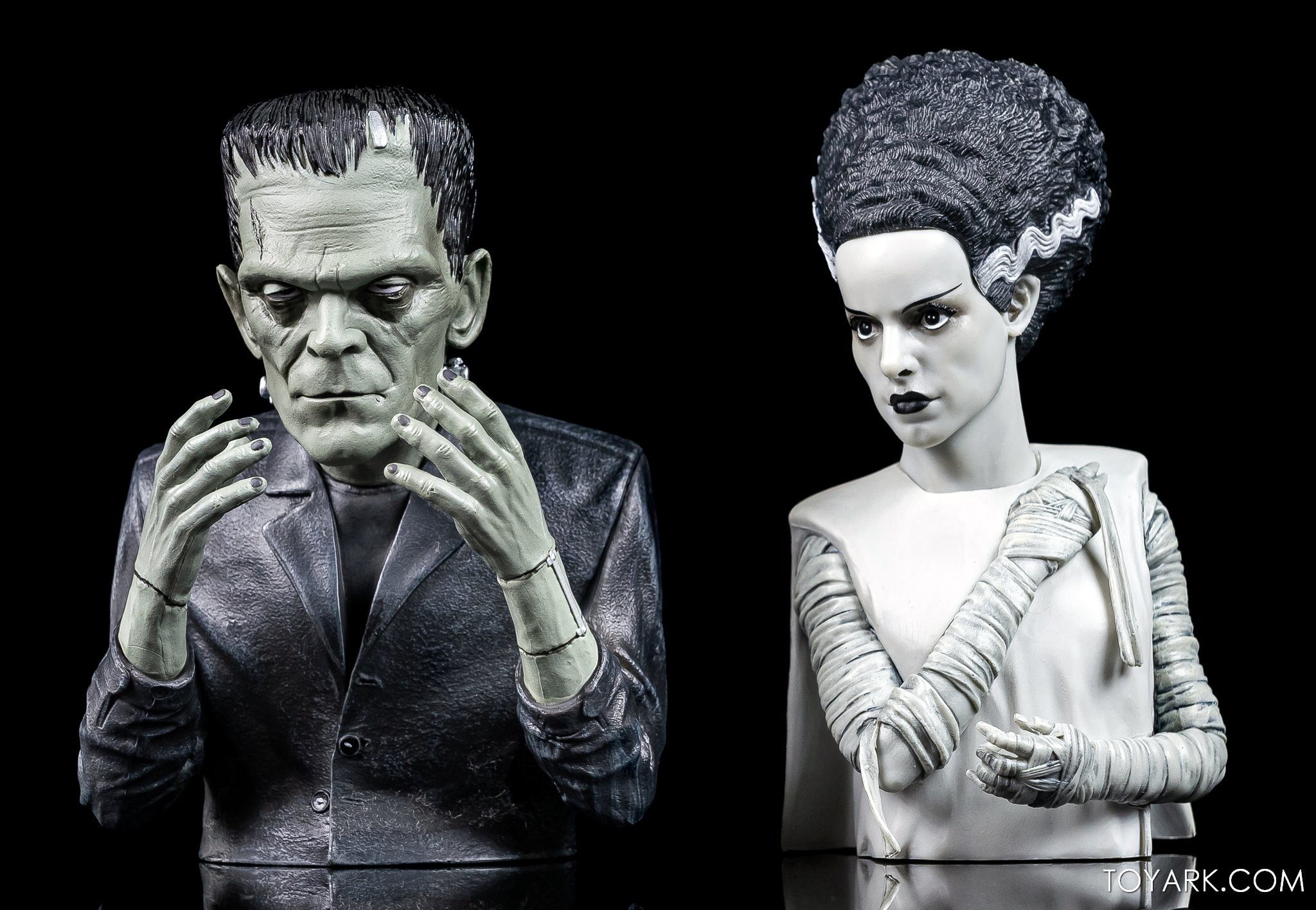 https://news.toyark.com/wp-content/uploads/sites/4/2020/10/Bride-of-Frankenstein-Spinature-010.jpg