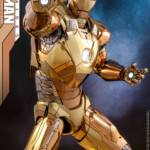 Hot Toys Iron Man XXI Midas Armor 008
