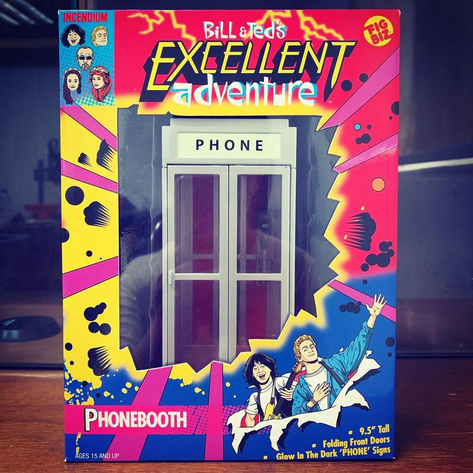 Incemdium Bill and Ted Phone Booth Packaging 001