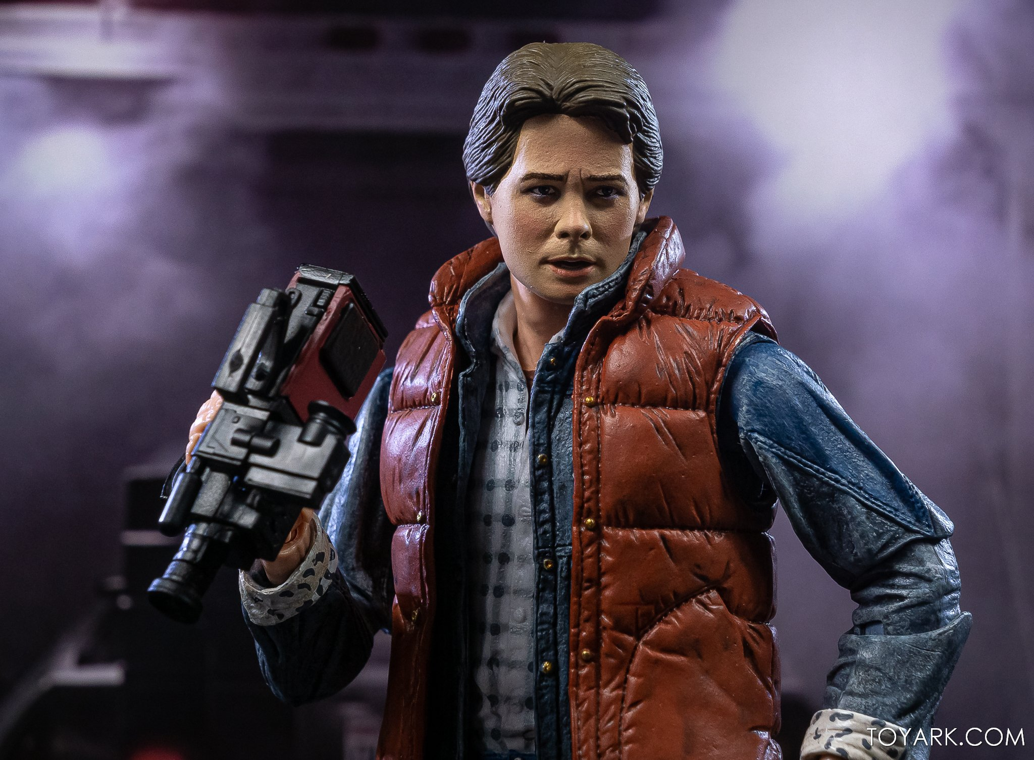 https://news.toyark.com/wp-content/uploads/sites/4/2020/10/NECA-Ultimate-Marty-McFly-Figure-017.jpg